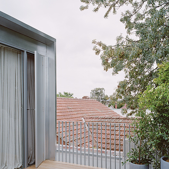 Interior photograph of Northcote Terrace by Rory Gardiner