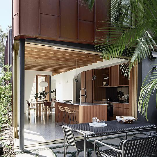 Interior photograph of Bondi House by Dave Wheeler