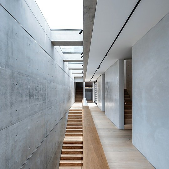 Interior photograph of Lavender Bay House by Justin Alexander