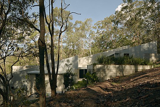 Interior photograph of MT COOT-THA HOUSE by TOM ROSS
