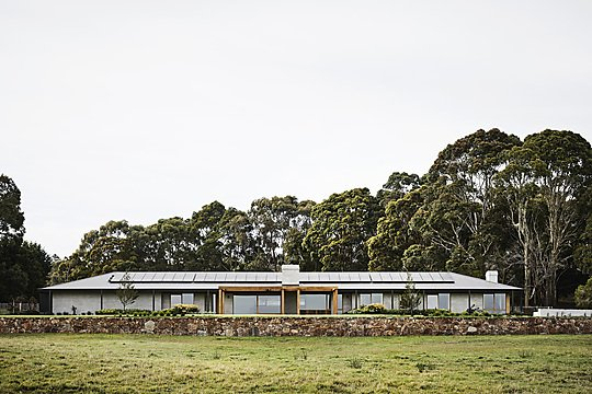 Interior photograph of Peninsula House by Sharyn Cairns