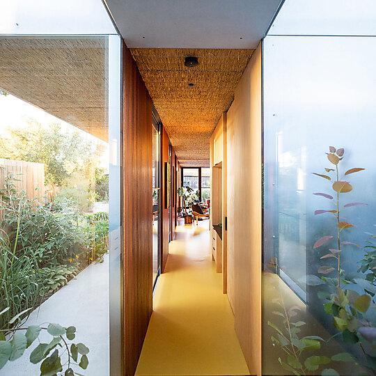 Interior photograph of Seddon House by Michael Thorpe