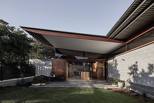 Interior photograph of Banksia House by Andy Macpherson